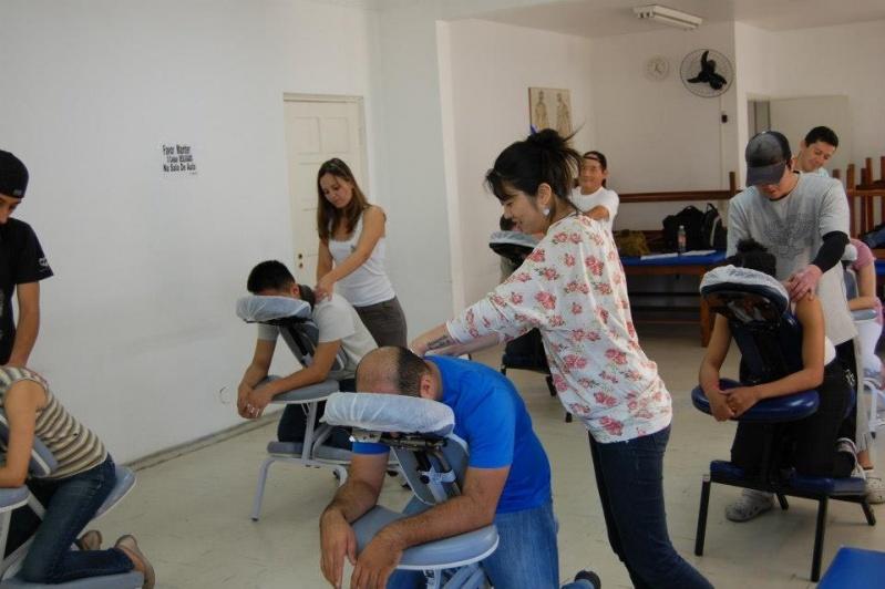 Curso de Massagem Rápida Preço no Aeroporto - Curso de Acupuntura Auricular