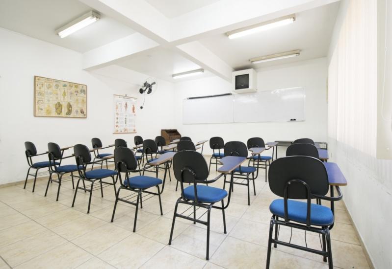 Escola de Pós Graduação em Massoterapia Preço no Centro - Pós Graduação em Massoterapia Ocidental