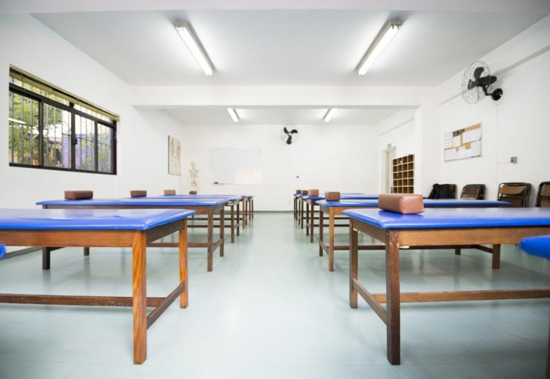Onde Encontrar Escola de Pós Graduação em Massoterapia no Campo Limpo - Pós Graduação em Massoterapia Ocidental